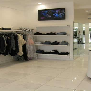 Cream Retail Shop - Fitout by Thames Contracts
